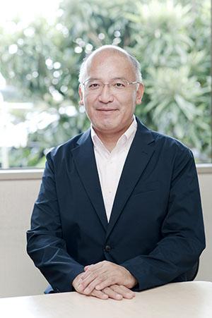 菅原薫社長の顔写真